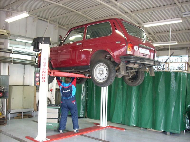 Servisiranje vozila Lada Niva 4x4
